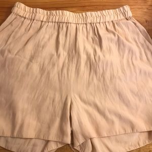 American Vintage cream shorts size medium